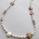 Necklace with freshwater pearl beads
