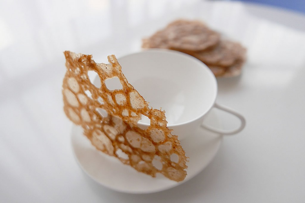 Espresso coffee lace cookie