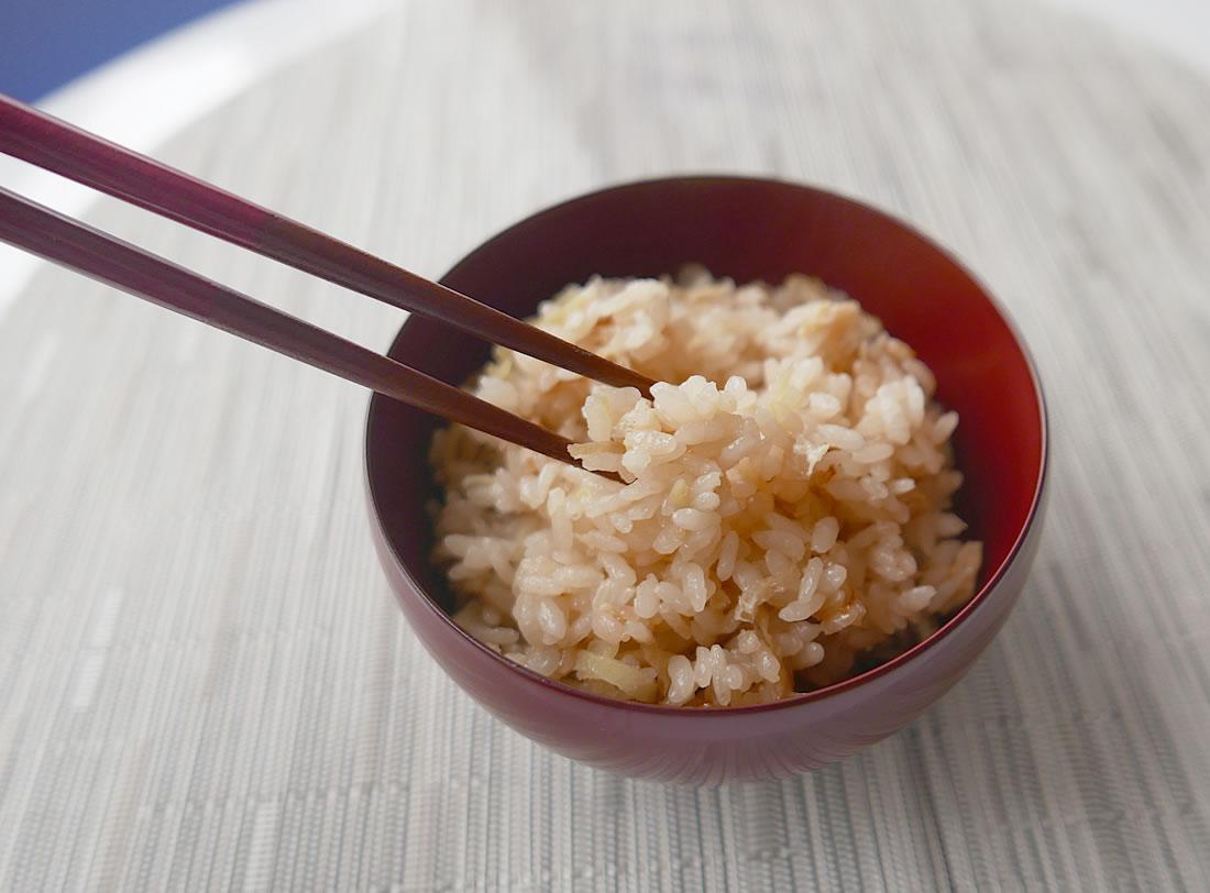 Ginger garlic rice (Shouga takikomi gohan)
