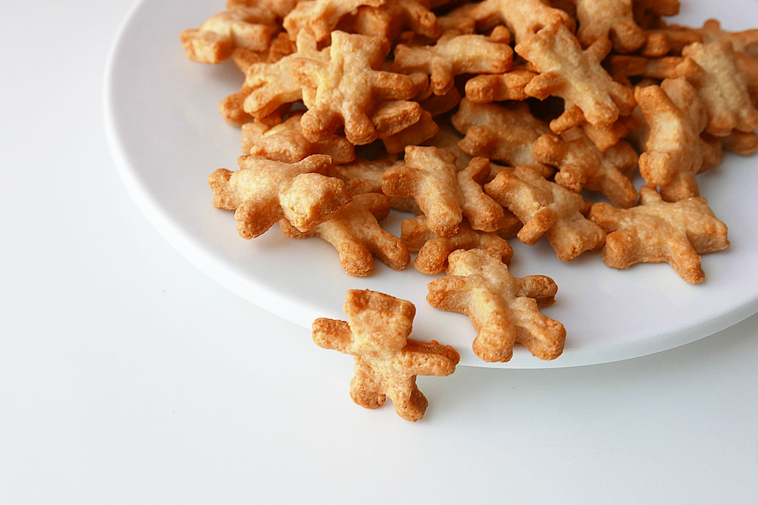 Bear cheese crackers