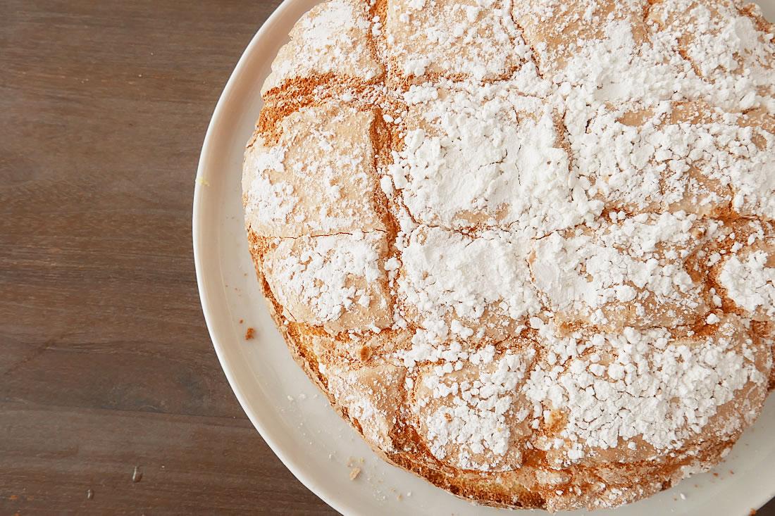 Airy and light meringue cake
