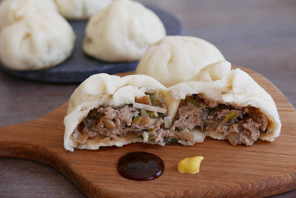 Steamed meat buns – Nikuman