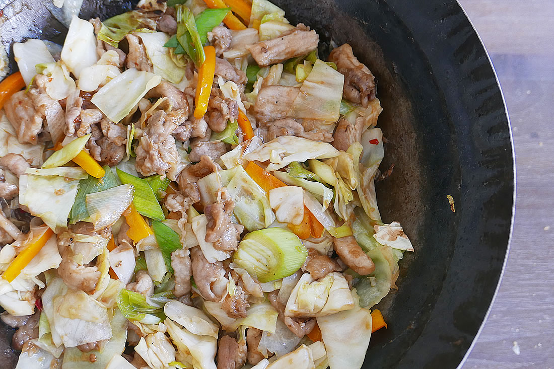 Pork and cabbage Stir Fry (Hoikoro)