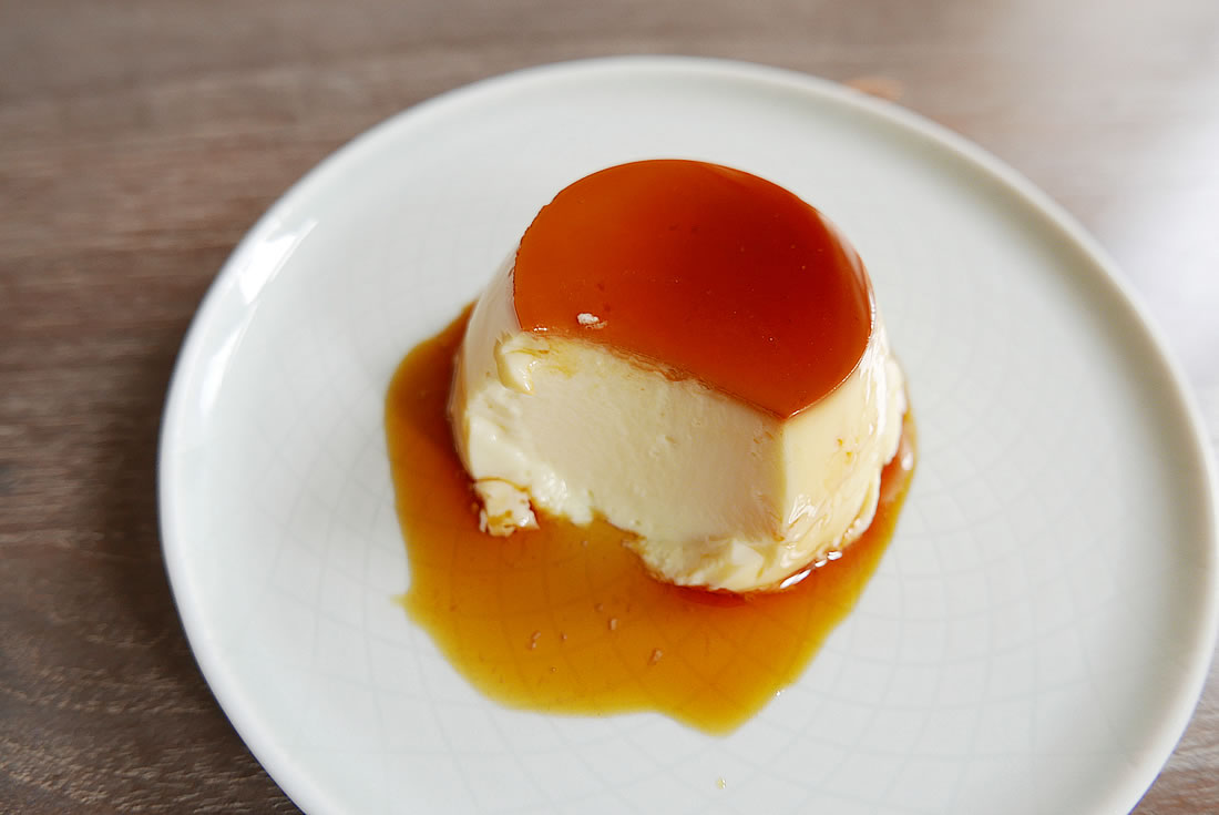Custard pudding with caramel sauce