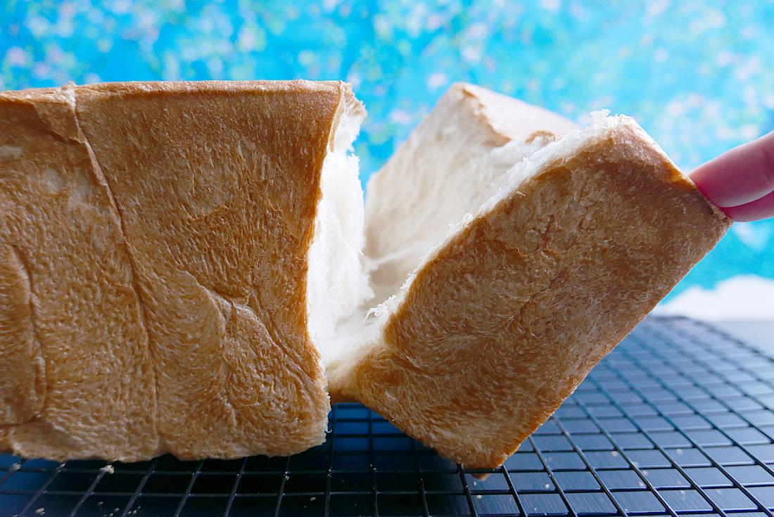 Japanese fluffy white bread - Shokupan