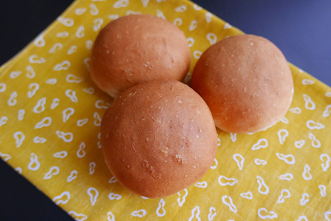 Soft Dinner Buns with your Home Bakery