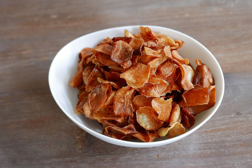 Fried sweet potato chips