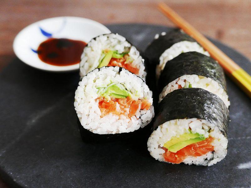 Salmon Roll - Maki Sushi